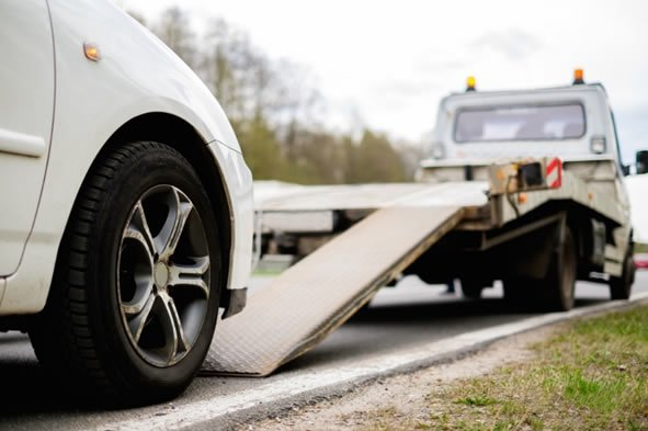 When Do You Need a Tow Truck?